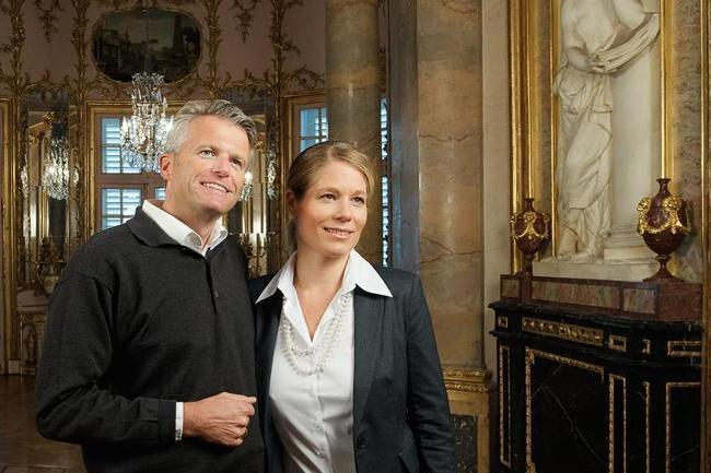 Besucherpaar in Schloss Solitude Stuttgart