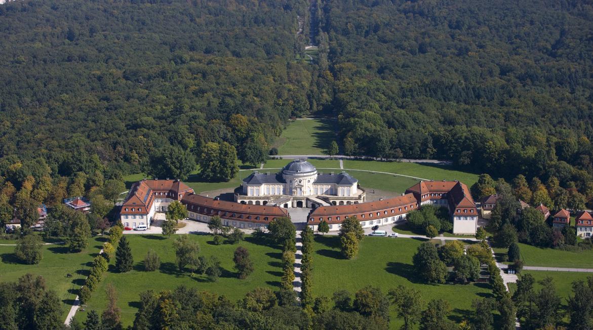 Luftansicht der Solitudeallee in Richtung Residenzschloss Ludwigsburg, Foto: Staatliche Schlösser und Gärten Baden-Württemberg, Achim Mende