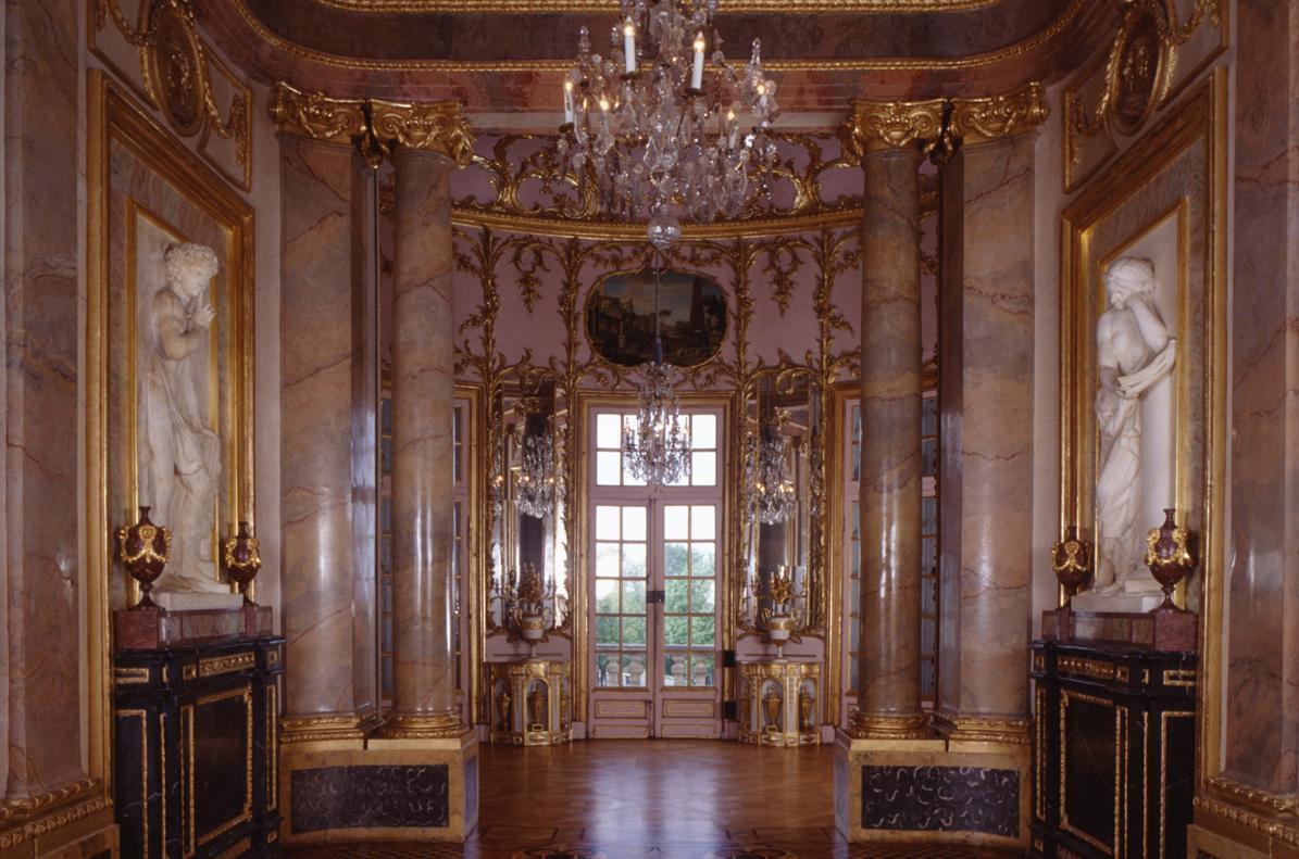 Marmorsaal im Appartement von Herzog Carl Eugen im Schloss Solitude, Foto: Staatliche Schlösser und Gärten Baden-Württemberg, Andrea Rachele