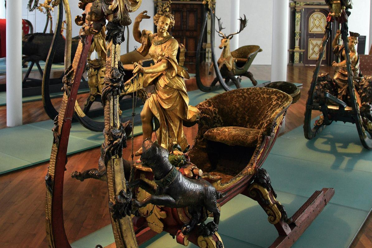 Sleighs from the ducal collection in Urach Palace. Image: Staatliche Schlösser und Gärten Baden-Württemberg, credit unknown