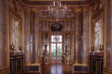 Marble Hall in Duke Carl Eugen's apartment in Solitude Palace. Image: Staatliche Schlösser und Gärten Baden-Württemberg, Andrea Rachele