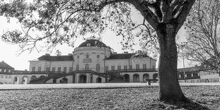 Schloss Solitude, Außenansicht.