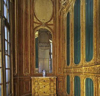 The library in Duke Carl Eugen's apartment in Solitude Palace. Image: Staatliche Schlösser und Gärten Baden-Württemberg, Andrea Rachele
