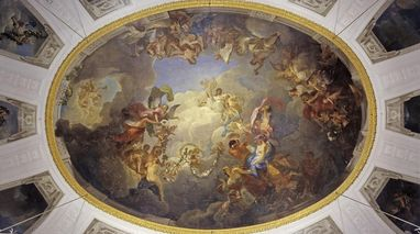 The ceiling paintings in the White Hall of Solitude Palace depict the welfare of the state of Württemberg under the reign of Duke Carl Eugen. Image: Staatliche Schlösser und Gärten Baden-Württemberg, Andrea Rachele
