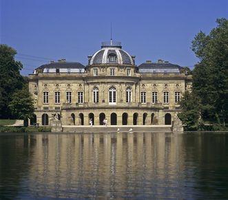 Außenansicht von Schloss Monrepos in Ludwigsburg, Foto: Staatliche Schlösser und Gärten Baden-Württemberg, Steffen Hauswirth