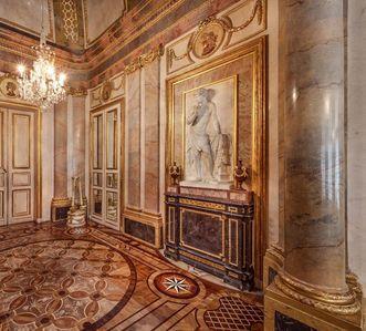 Schloss Solitude Stuttgart, Wandreliefs im Marmorsaal